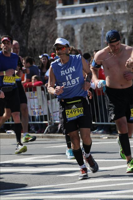 Robin Robbins Digging Deep at the Boston Marathon (2016)